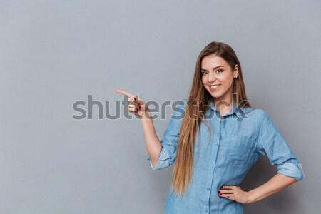 Portret tineri fericit femeie Imagine de stoc © deandrobot