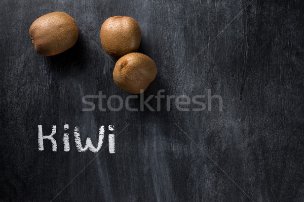 Kiwi donkere schoolbord top foto Stockfoto © deandrobot