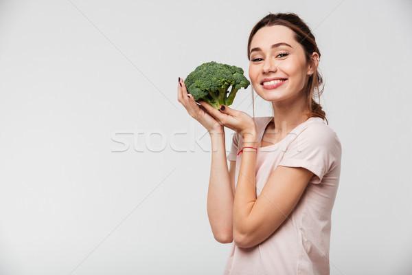 Ritratto bella ragazza broccoli isolato Foto d'archivio © deandrobot