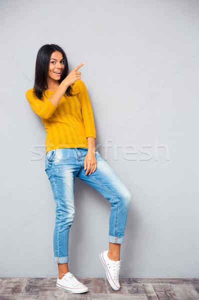 Foto stock: Moda · feliz · mulher · dedo · direito