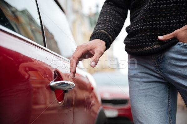 Retrato masculino mão carro manusear Foto stock © deandrobot