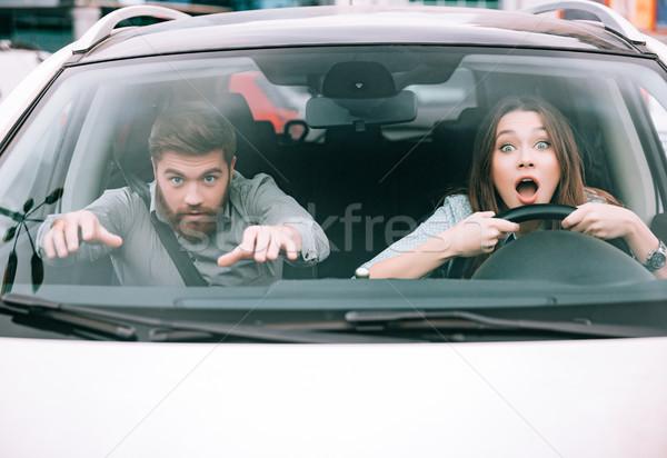 Pár csattanás elöl kilátás fehér autó Stock fotó © deandrobot