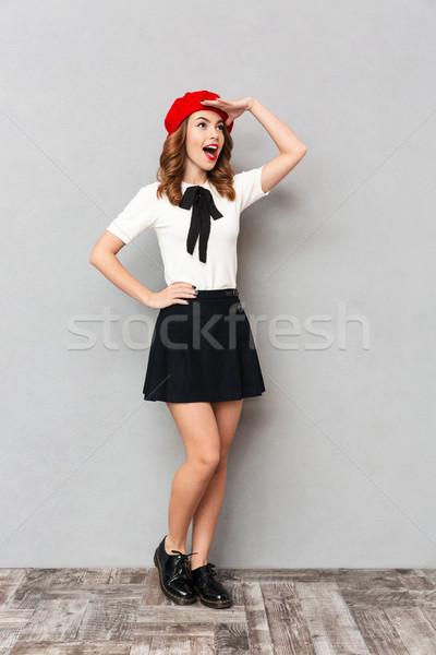 Stock fotó: Teljes · alakos · portré · csinos · iskolás · lány · egyenruha · áll