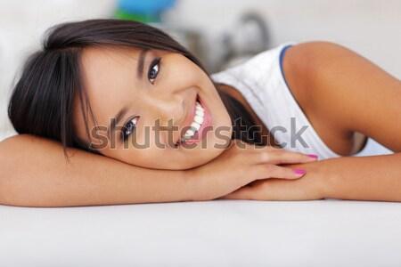 Portret szczęśliwy młodych asian kobieta Zdjęcia stock © deandrobot