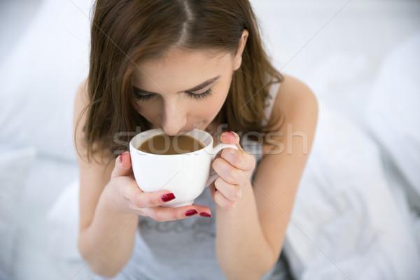 Stockfoto: Portret · jonge · vrouw · drinken · koffie · meisje · home