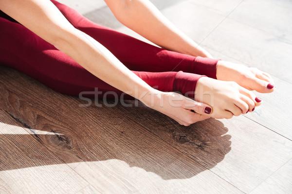 Ince bacaklar genç kadın jimnastikçi oturma Stok fotoğraf © deandrobot