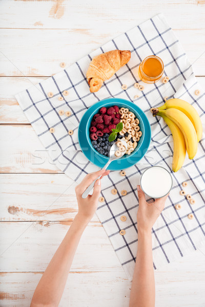 Stock fotó: Kéz · tart · kanál · gabonapehely · reggeli · csésze