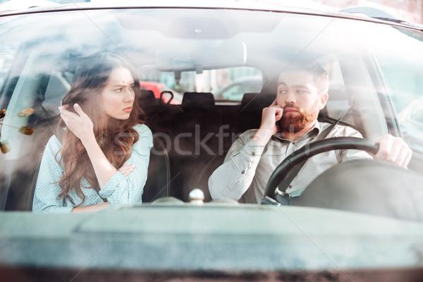 Ruzie paar auto man praten telefoon Stockfoto © deandrobot