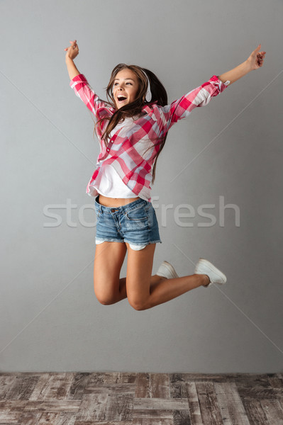 фото красивой прыжки Сток-фото © deandrobot