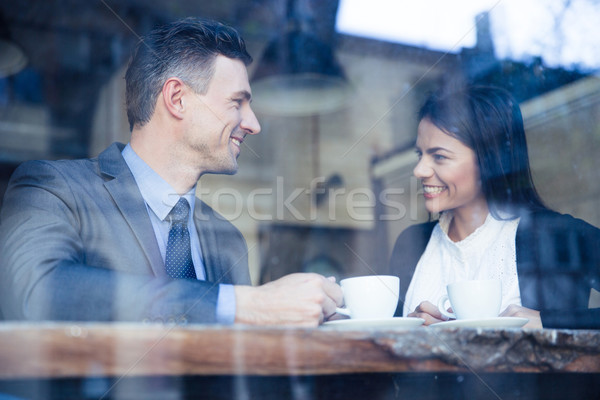Zakenvrouw zakenman koffiepauze gelukkig cafe business Stockfoto © deandrobot