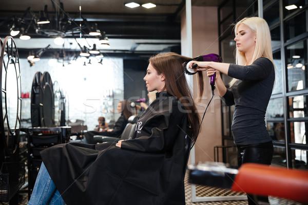 Stylist haj női ügyfél szépségszalon szépség Stock fotó © deandrobot