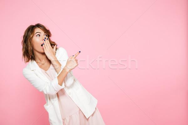 Portré megrémült fiatal lány nyár ruha mutat Stock fotó © deandrobot