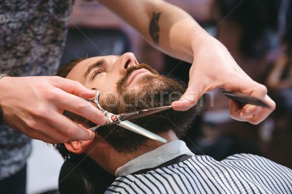 Peluquero barba jóvenes atractivo hombre Foto stock © deandrobot