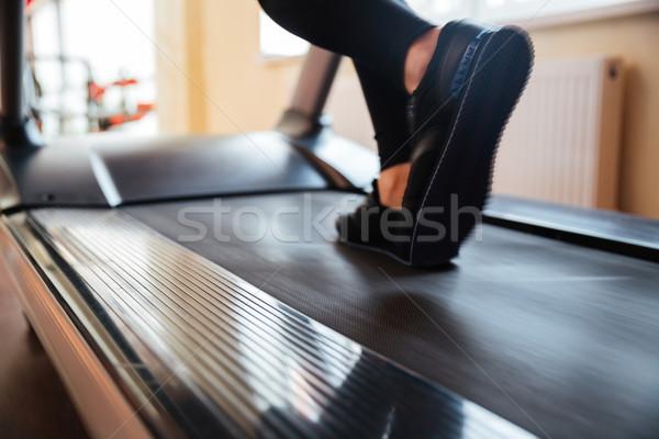 Ayak değirmeni kullanılmış çalışma spor salonu Stok fotoğraf © deandrobot