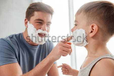 Apa fia jelentkezik hab arcok fotó arc Stock fotó © deandrobot