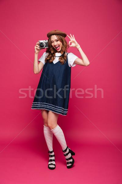 ストックフォト: 幸せ · 女性 · 着用 · のような · パリジャン
