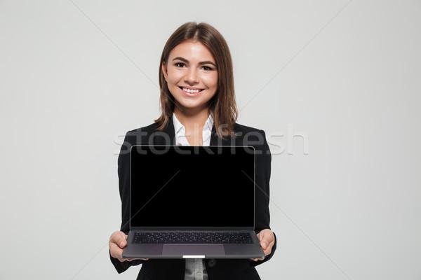 Stockfoto: Portret · mooie · glimlachend · zakenvrouw · pak · tonen