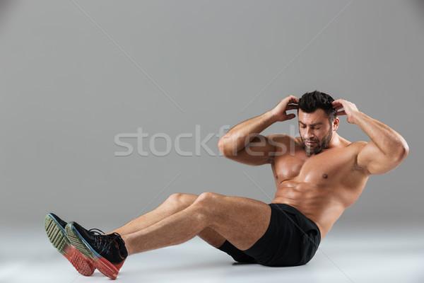 Ritratto muscolare montare a torso nudo maschio Foto d'archivio © deandrobot