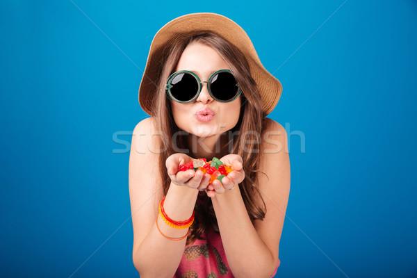 Cute vrouw gelei palmen Stockfoto © deandrobot