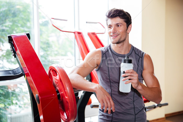 Retrato sorridente musculação exercício ginásio Foto stock © deandrobot