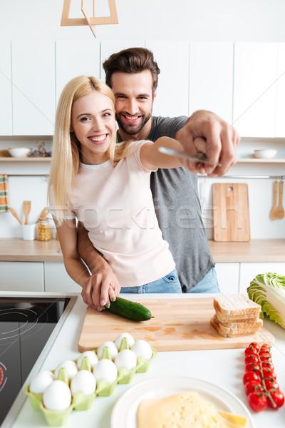 Stok fotoğraf: Portre · mutlu · pişirme · birlikte · mutfak