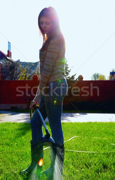 Portrait femme jardin eau mains Photo stock © deandrobot