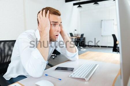 小さな ビジネスマン 頭痛 オフィス 触れる ストックフォト © deandrobot