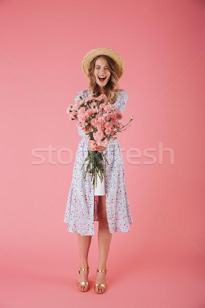 Tam uzunlukta portre heyecanlı genç kadın yaz elbise Stok fotoğraf © deandrobot