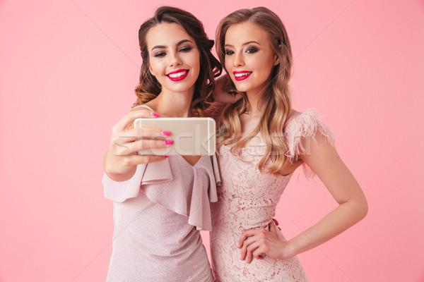 Fotoğraf iki şaşırtıcı kızlar 20s Stok fotoğraf © deandrobot