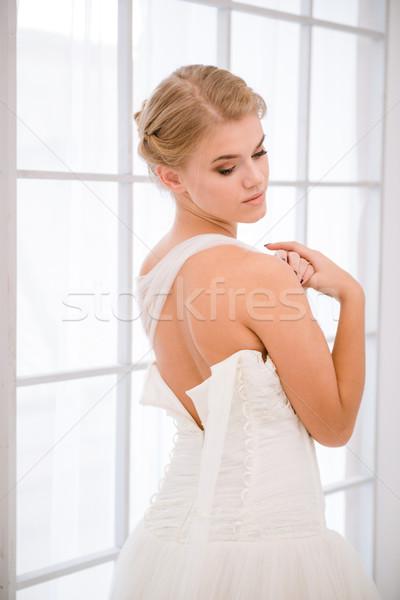 Menyasszony fehér esküvői ruha gyönyörű nő lány Stock fotó © deandrobot