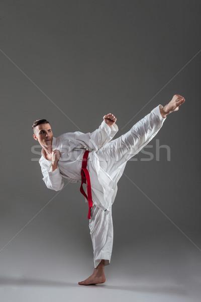 Jóvenes kimono práctica karate foto Foto stock © deandrobot
