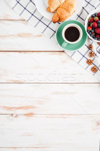 Bayas nueces taza café superior Foto stock © deandrobot