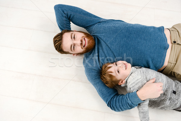 Vader trui vloer weinig zoon Stockfoto © deandrobot