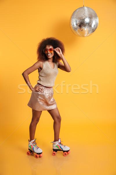 Teljes alakos portré derűs afro amerikai nő Stock fotó © deandrobot