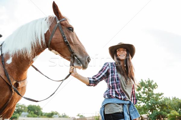 Feliz caballo granja sonriendo sombrero de vaquero Foto stock © deandrobot