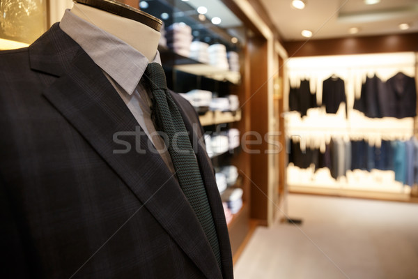 Shot man pak jas hanger Stockfoto © deandrobot