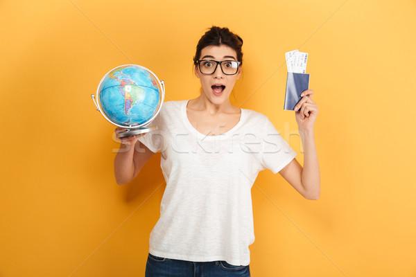 Animado surpreendido mulher óculos Foto stock © deandrobot