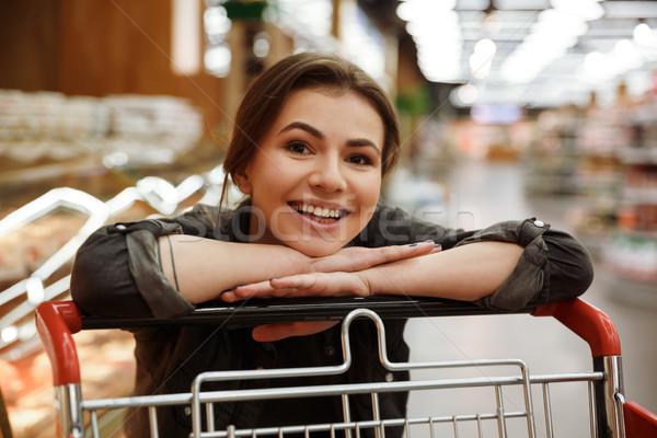Kobieta supermarket leży ręce obraz Zdjęcia stock © deandrobot