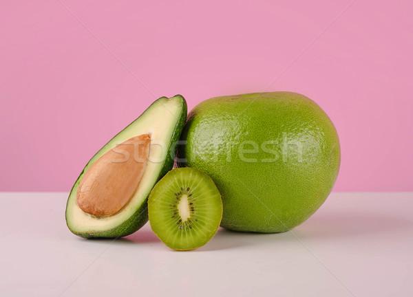 Groene vruchten avocado kiwi tabel Stockfoto © deandrobot
