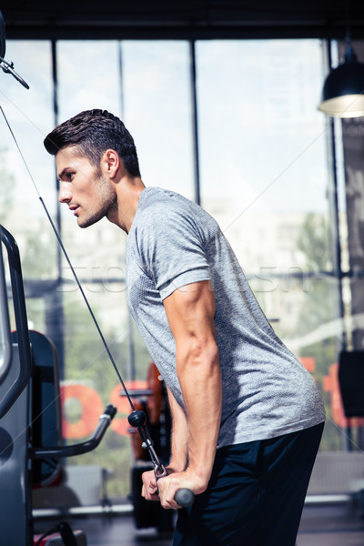 Bodybuilder Training Fitness Fitnessstudio Porträt jungen Stock foto © deandrobot