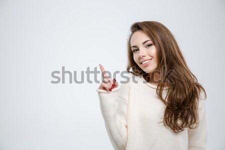 女子 毛線衣 頭戴耳機 聽 商業照片 © deandrobot