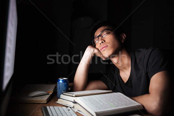 Fáradt kimerült férfi tanul alszik számítógép Stock fotó © deandrobot