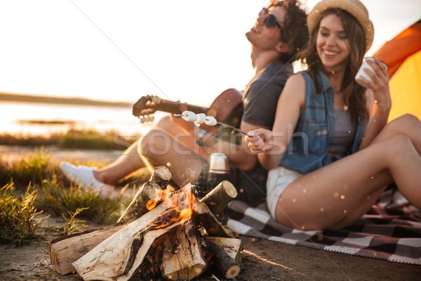 çift oynama gitar şenlik ateşi güzel Stok fotoğraf © deandrobot