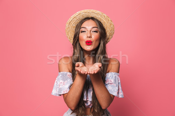 Portret mooie vrouw 20s strohoed glimlachend Stockfoto © deandrobot