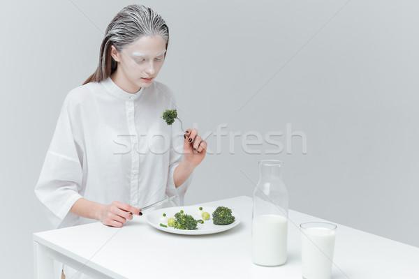 Donna mangiare sano alimentare tavola moda bella donna Foto d'archivio © deandrobot