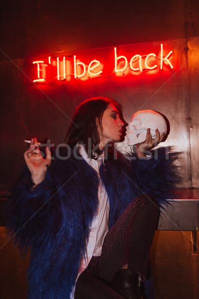 Asombroso sesión artificial cráneo cigarrillo Foto stock © deandrobot