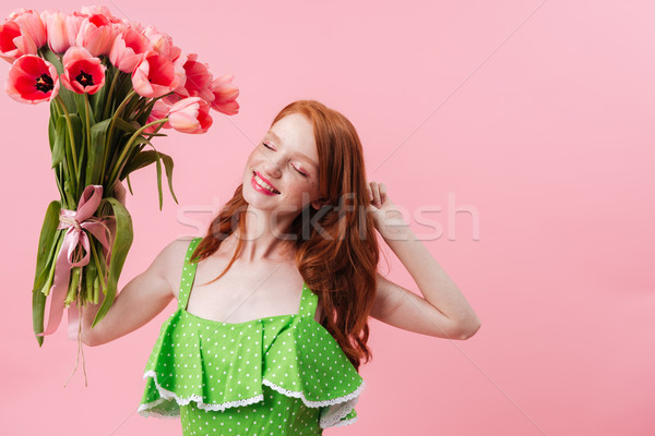 Image souriant gingembre femme bouquet Photo stock © deandrobot