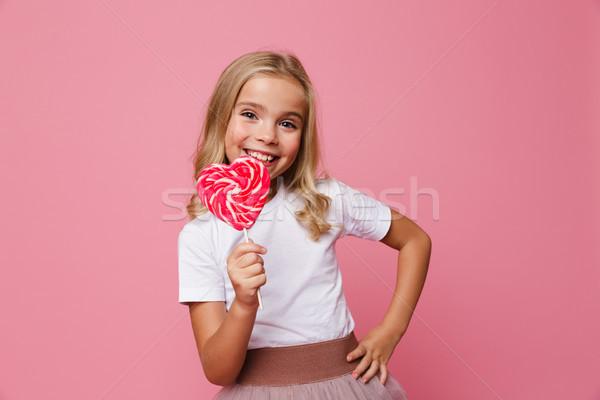 Portret gelukkig meisje hart Stockfoto © deandrobot