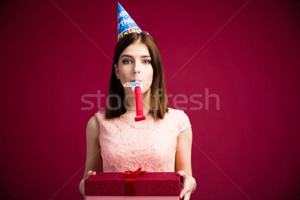 Kadın ıslık hediye kutusu pembe Stok fotoğraf © deandrobot