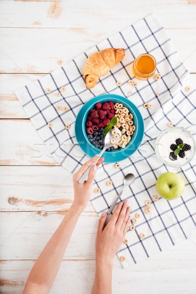 Stock fotó: Kéz · tart · kanál · gabonapehely · reggeli · granola